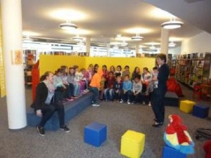 Bilder Schule 2015 Bücherei 2c 030